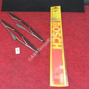 1107 SPAZZOLE TERGICRISTALLO PER AUTOBIANCHI A111 - BMW 1602 - 1802 - 1800 - 2000 - FIAT 124 COUPÈ - 130 - 131 - FORD CAPRI - CORTINA GT - MAZDA 616 - 818 - SIMCA 1200 - 1300 - 1500 - TOYOTA CARINA - CELICA - COROLLA - VAUXHALL VISCOUNT - VENTORA - MISURE 15 x 380 mm MARCA BOSCH ( RIF. CODICE 3398111107 - 884 ) FONDO DI MAGAZZINO 25897 - SCATOLA